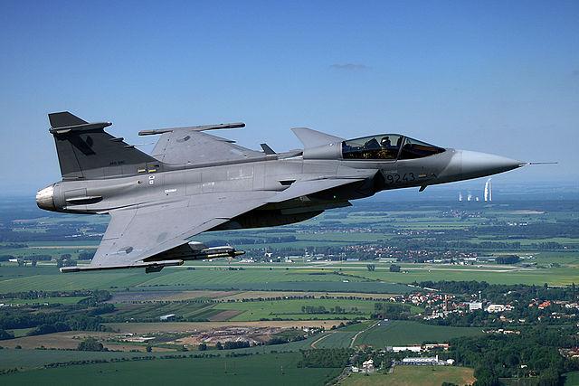 Eurofighter Typhoon vs Saab JAS 39 Gripen | Comparison jet