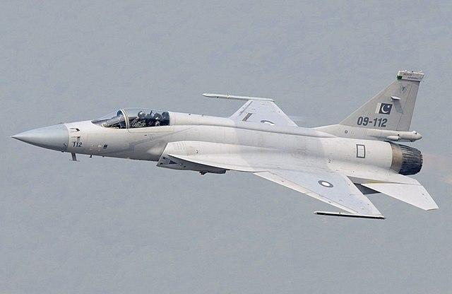 Dassault Rafale vs JF-17 Thunder | Comparison jet Multirole