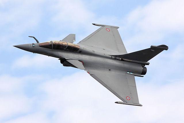 Dassault Rafale vs JF-17 Thunder   Comparison jet Multirole