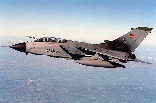 Panavia Tornado vs JF-17 Thunder   Comparison jet Multirole